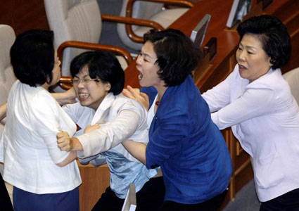 south-korea-fights-72209-ap